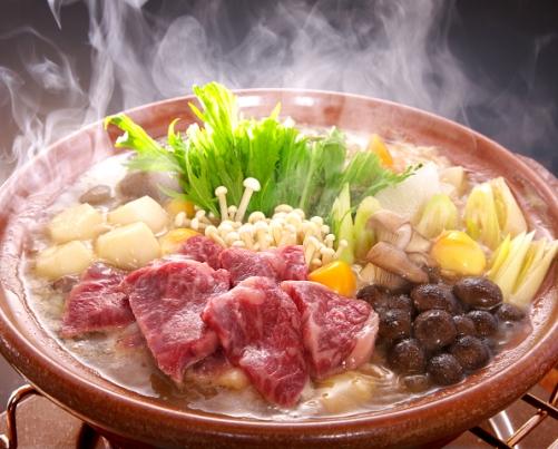 上州牛、やまと豚、榛名鶏と野菜の「お多福鍋」