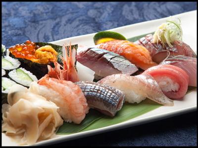 富山湾のキトキト=新鮮な魚を使った 寿司御膳