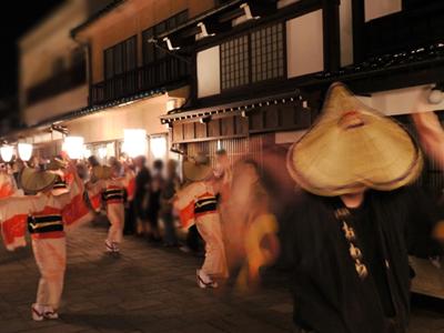 富山を代表する祭「おわら風の盆」