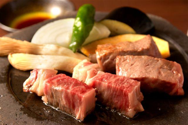 信州牛を使った料理(内容は季節によって変わります)