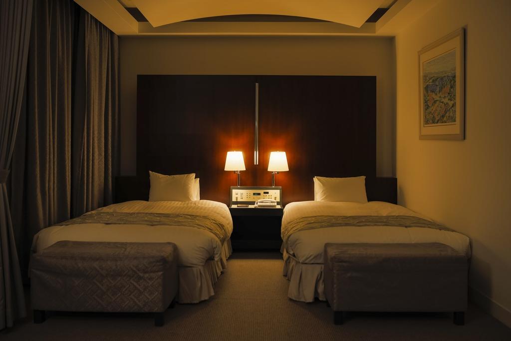 数々のVIPが来青の際に宿泊したホテルスイートルーム。16Fは特別フロアとなっております。