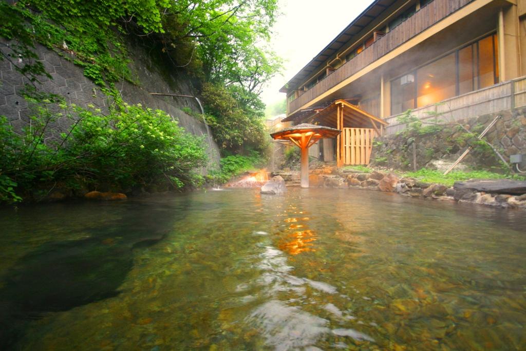 混浴露天風呂 川の湯