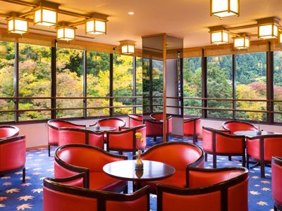 7:00〜20:00にはお茶・コーヒーサービスがございます。