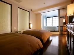 *全館で1室「オリエンタルスウィート」、寝室。