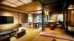 *露天風呂付客室「山水雪月華」の客室例。