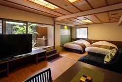 2013年リニューアルOPENの露天風呂付客室「翠(すい)」客室一例
