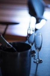 ラウンジでスパークリングワインのサービスも有り♪