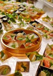 別邸レストラン「山餐(さんさん)亭」小鉢ビュッフェ一例
