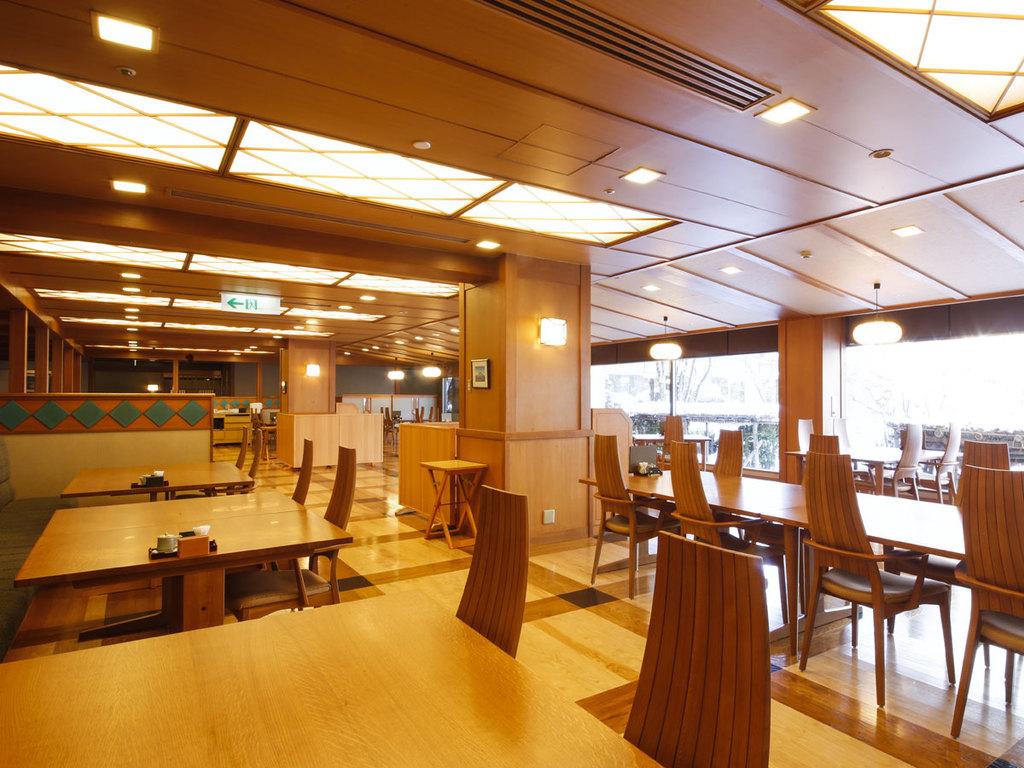 日本料理「緑亭」