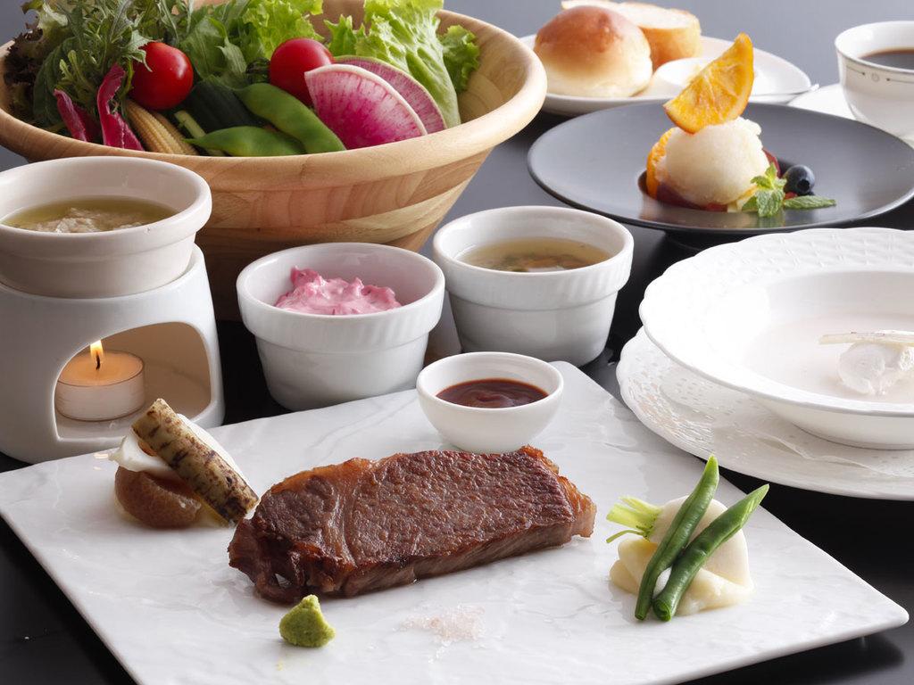 冬の飛騨牛ロースステーキディナー(イメージ)
