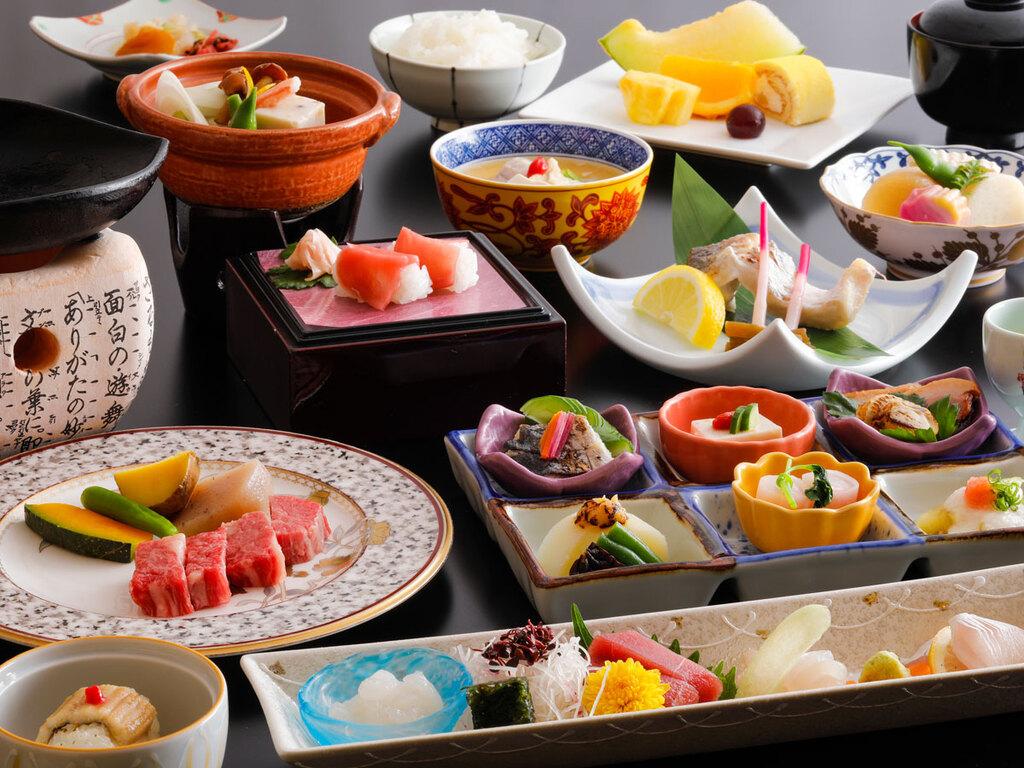 日本料理「緑亭」味覚会席(一例)
