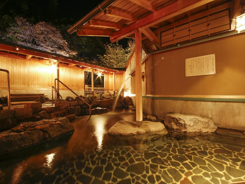 泉質自慢の大浴場は2種類の源泉が楽しめます♪♪