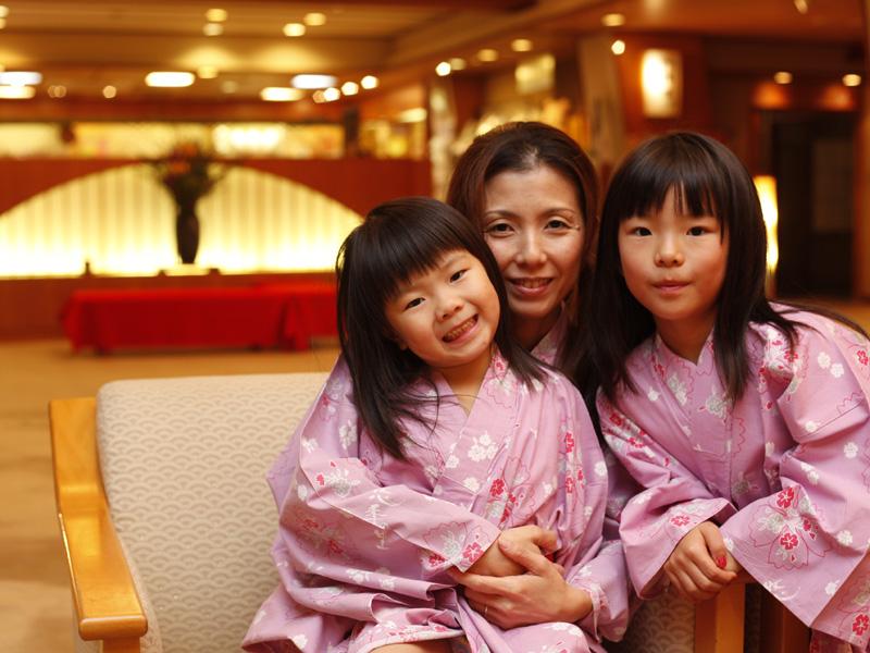 夏休みは家族みんなで温泉旅館!