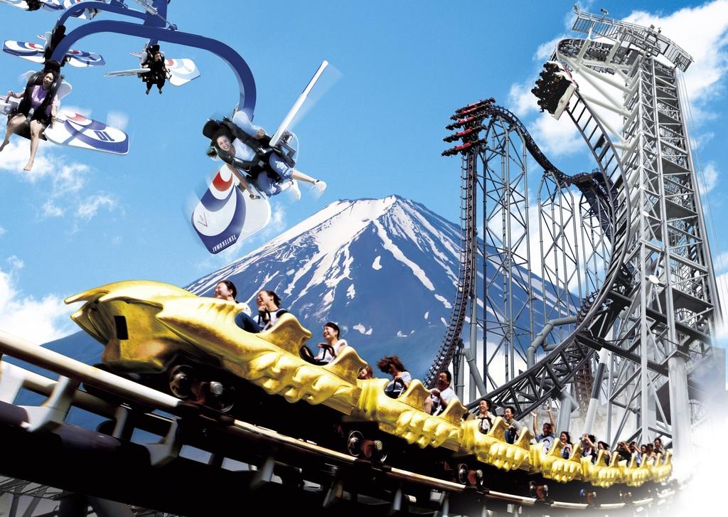 富士急ハイランドで大人気のアトラクションを満喫♪