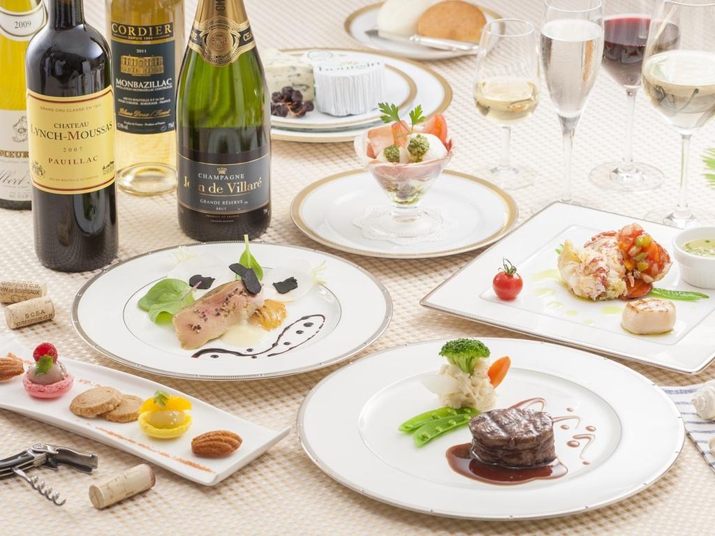 ソムリエおススメのワインと共にディナーをお楽しみください。(イメージ)