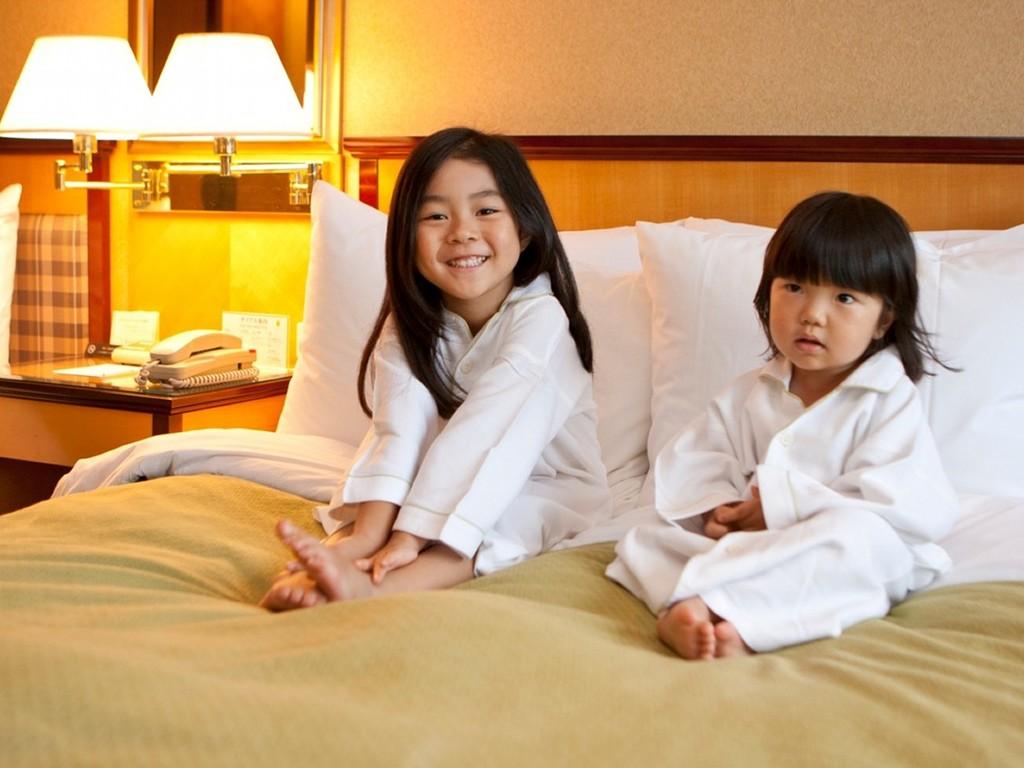 ゆったりとした客室と広々ベッドでお子様も大満足