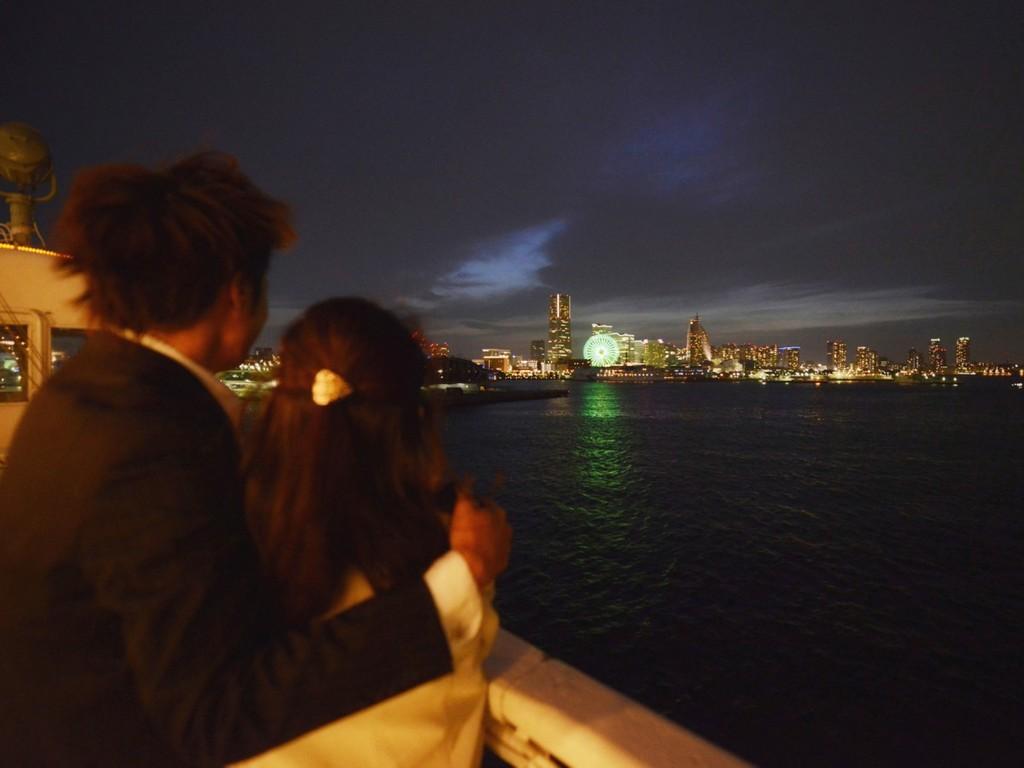 クリスマスの夜はいつもと違った横浜の夜景をお楽しみ下さい(イメージ)
