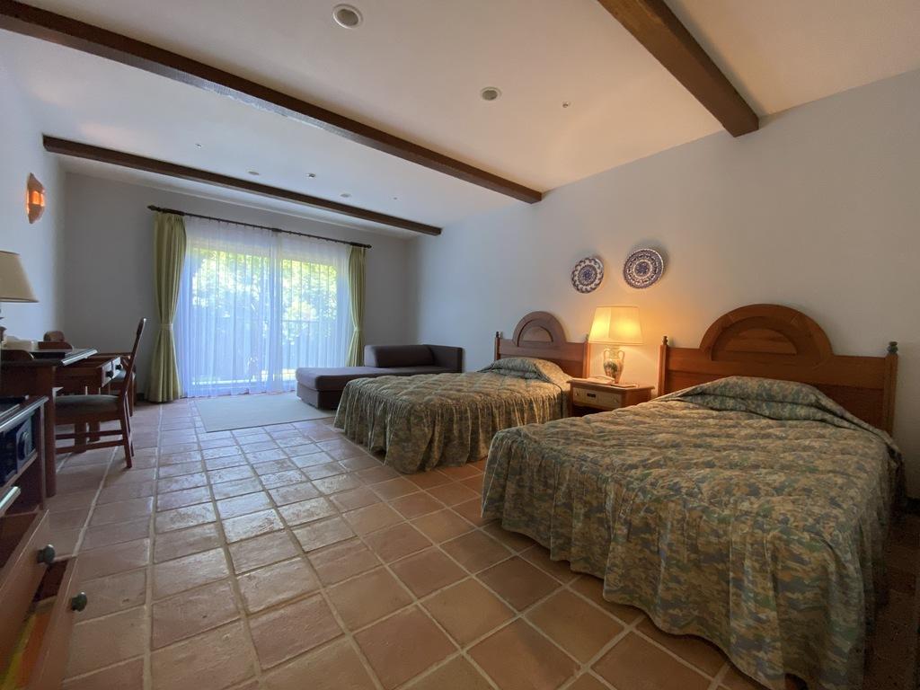 スペインの雰囲気が満ち溢れた40.5�uの客室