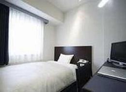 シングルルームになります。全室ベッドは日本橋西川のポケットコイルマットレスを採用、ごゆっくりとお休み下さいませ。