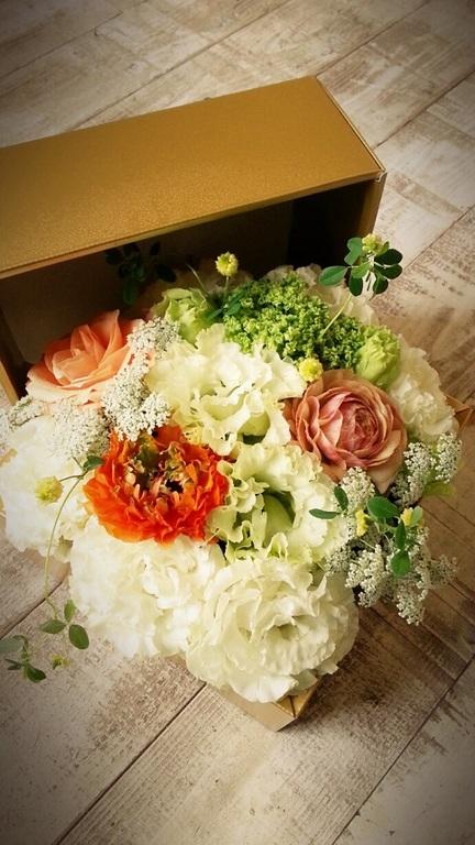 BOX型フラワーケーキ(お花)は新しい提案