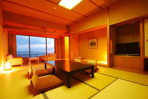 ●岬の館 和室