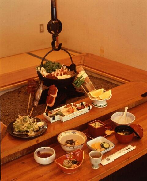 囲炉裏プラン料理一例、お品数は13品となります。