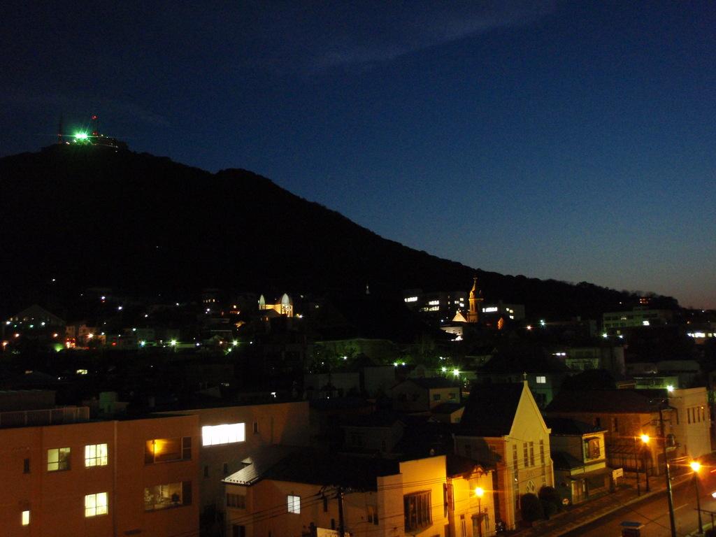 お部屋から望む函館山
