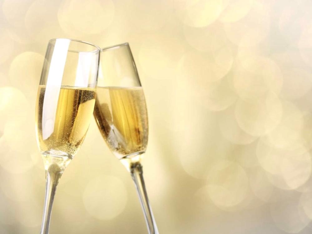 ソムリエが厳選したスパークリングワインで乾杯!