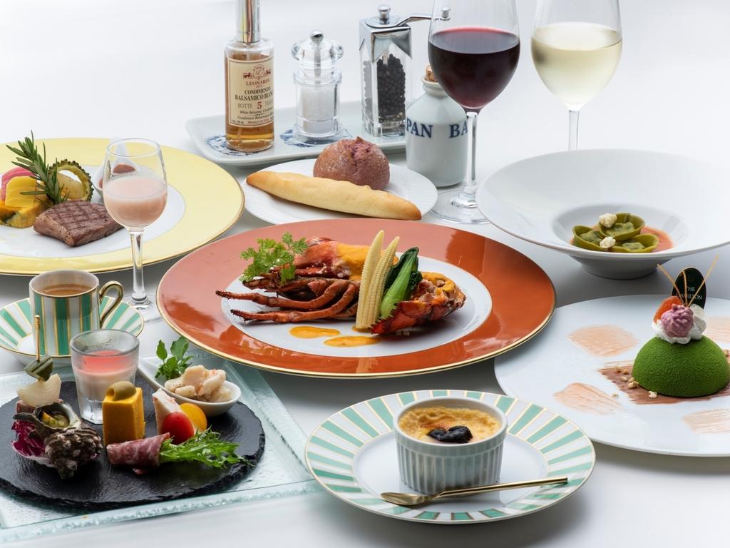 オマール海老をメインにちょっと贅沢な食材を集めたトレ・コローネコース。画像はイメージです。
