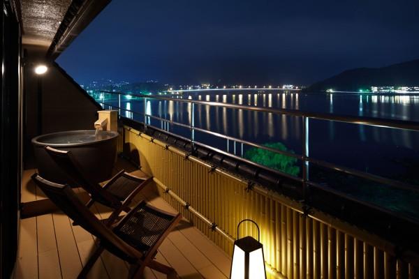 河口湖側露天風呂付和洋特別室(12.5畳+TW)