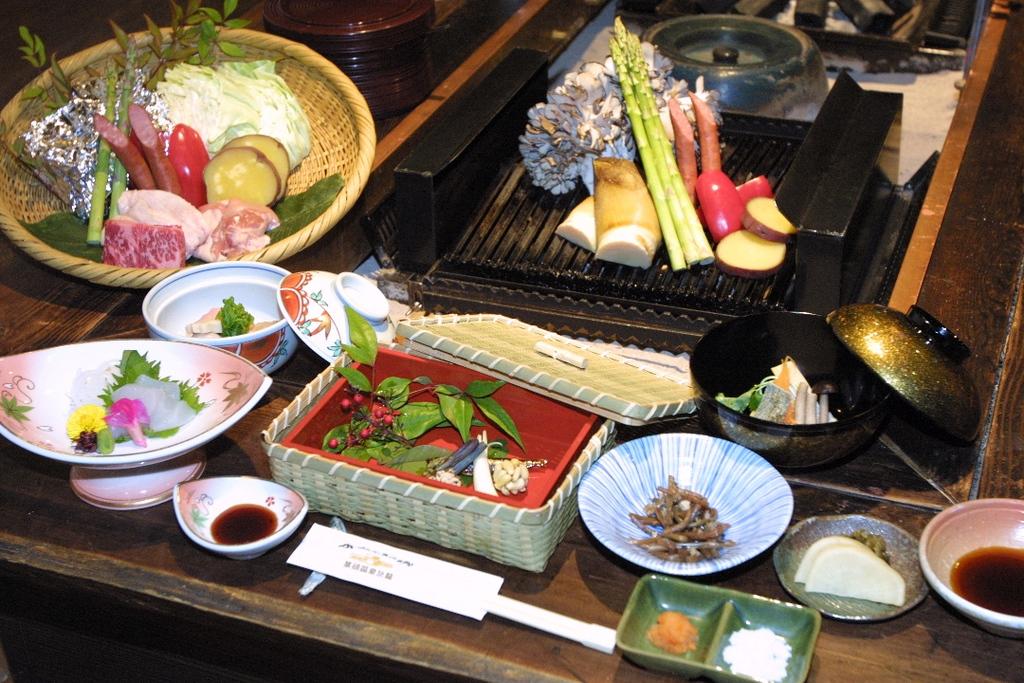 "上州囲炉裏会席""上州牛焼""お料理一例"
