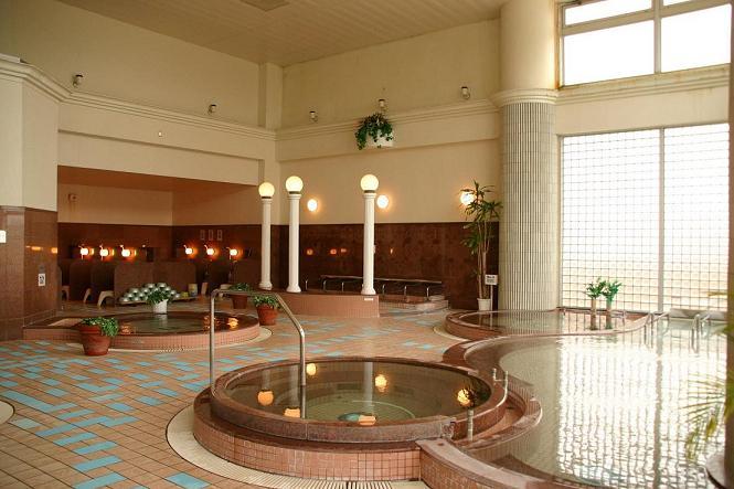 24種類の天然温泉で、身も心もリラックス