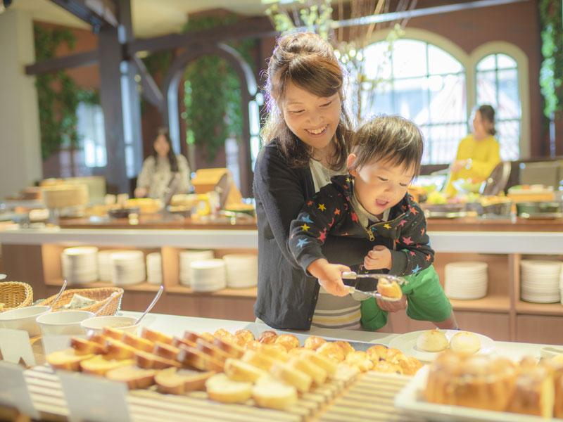 ≪爽やかな、北海道の高原リゾート≫<br>朝食ブッフェではフレンチトーストなど出来立ても充実♪