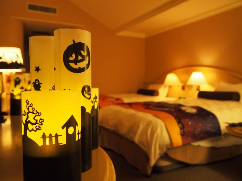 NEW≪ハロウィンツインルーム≫<br>ランプの灯りで落ち着いた雰囲気に包まれます。