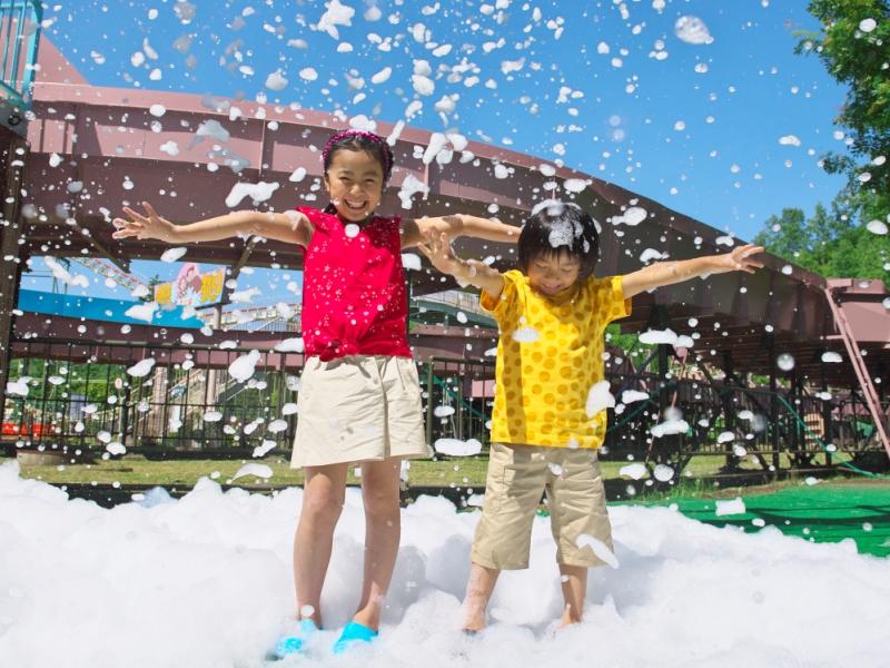 【夏休みイベント】泡かけ祭りIN遊園地!<br>期間:7/25〜8/18