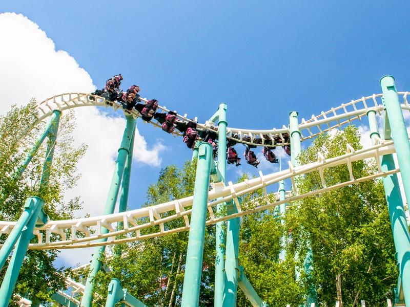 ≪ルスツの夏は遊園地で遊ぼう♪≫<Br>緑が鮮やかな季節!ジェットコースターで絶叫!