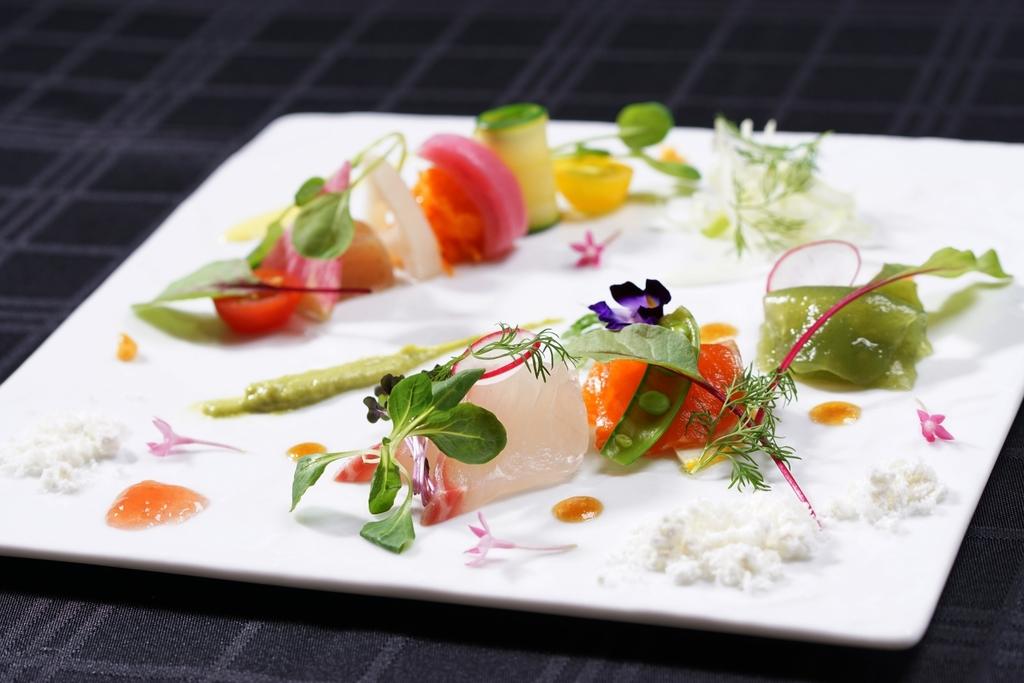 ご夕食は美味しさ引き立つ美しい彩りの「みなかみイタリアン」