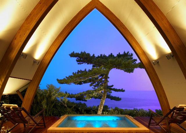 SPA VILLA 「PINE(パイン)」 松の木越しの海の絶景を独り占め!