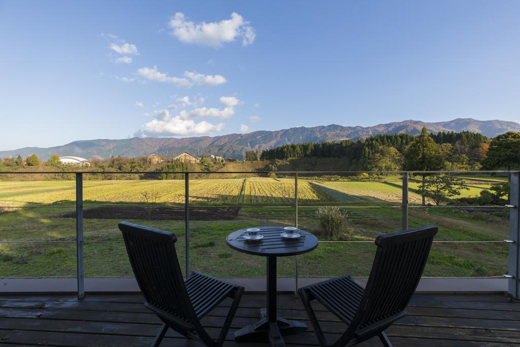 客室からの里山の風景