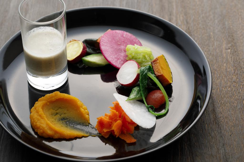 里山の野菜 サラダ仕立て 季節野菜のスープとともに