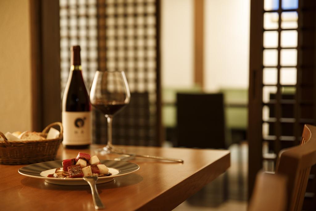 厳選ワインと食事