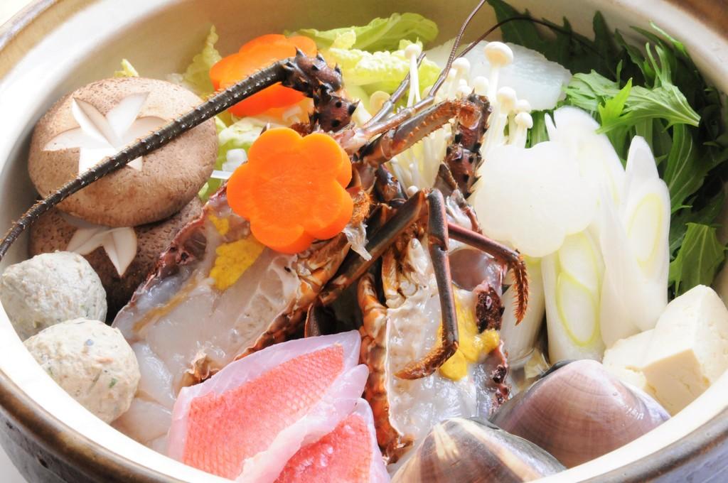 気持ちも華やかになる「房総宝楽海鮮蒸し鍋」〜写真はイメーシです〜