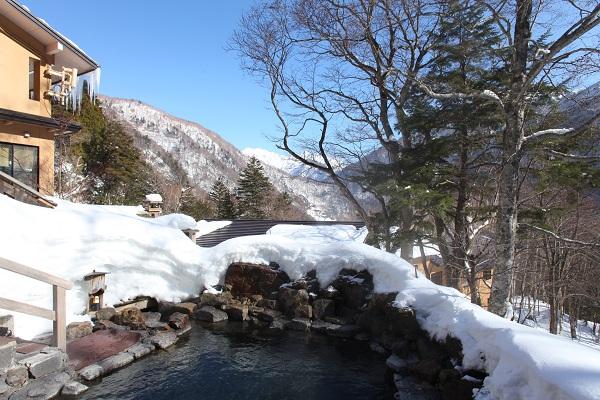 露天風呂からの穂高連峰