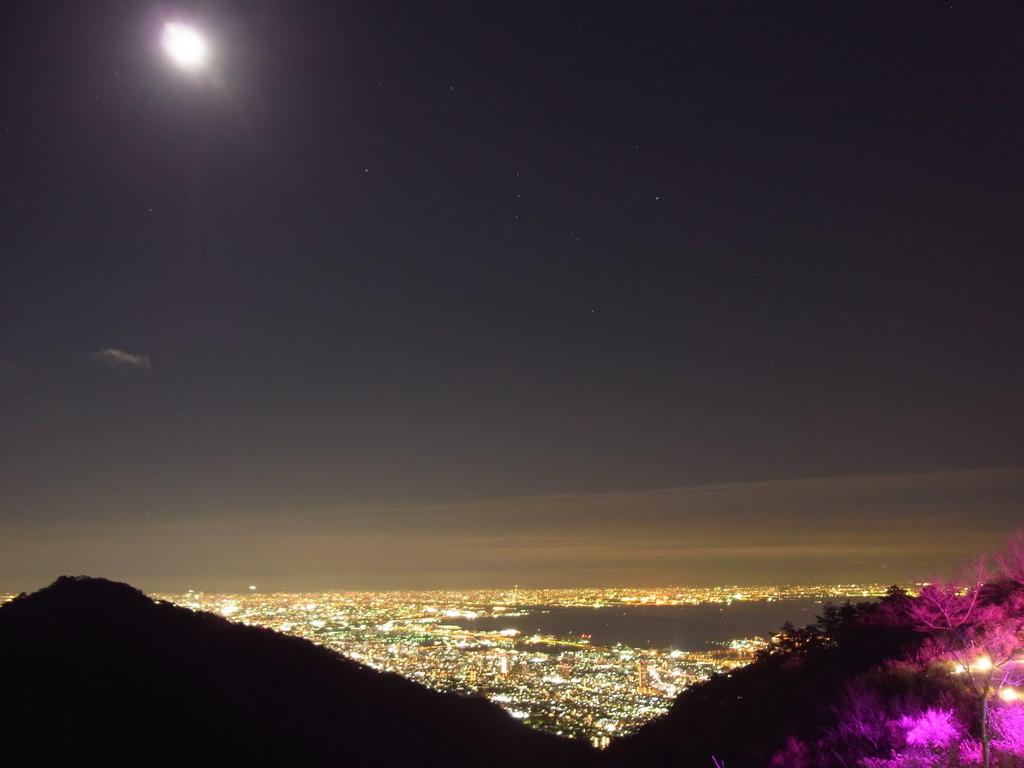お部屋からの景観 - 神戸〜大阪平野の夜景が眼の前に。