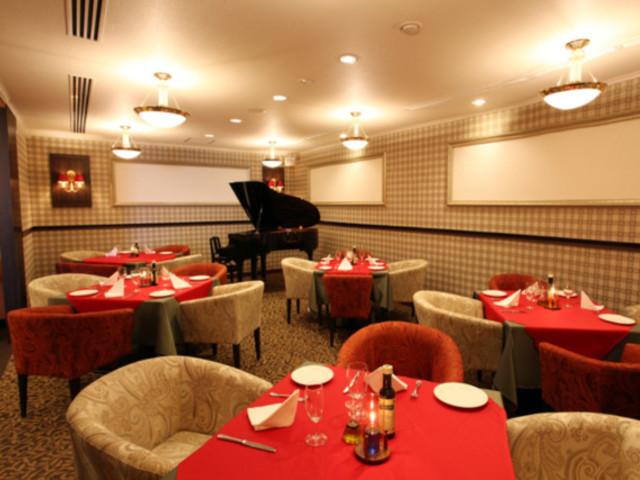 ご夕食はイタリアンディナーコース。ゆったりとお食事をお楽しみください。