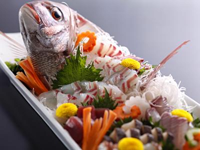 淡路島鳴門鯛の姿造り(一例)