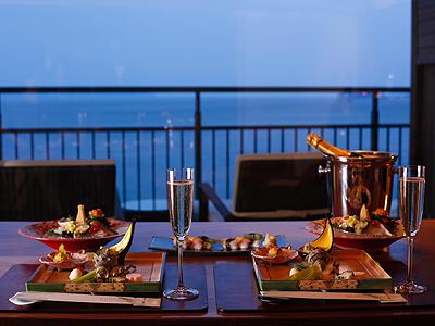 海一望のダイニングテーブルは二人だけの特等席