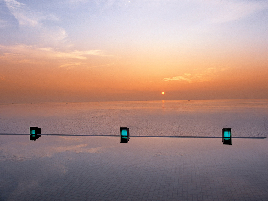 空と海と湯に抱かれながら紀淡の絶景をお楽しみください