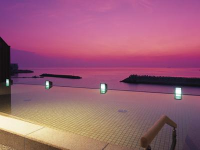 露天風呂から眺める紀淡海峡の朝陽