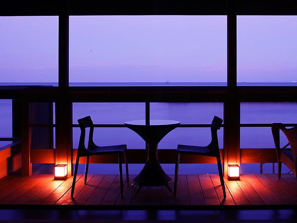 海辺の別荘で、自由気のままにお過ごし下さい。
